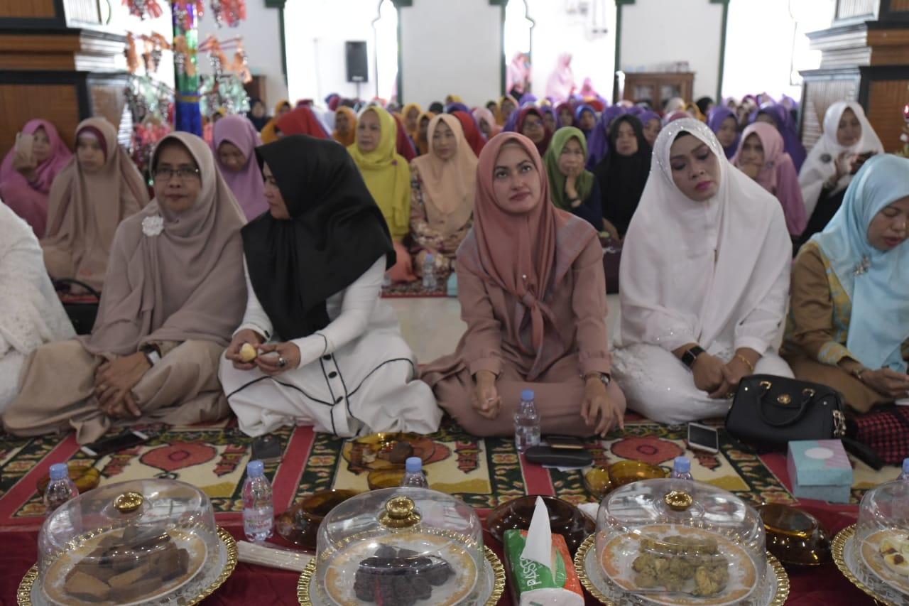 Bupati Lutra Hadiri Peringatan Maulid Nabi Muhammad SAW di Dua Kecamatan