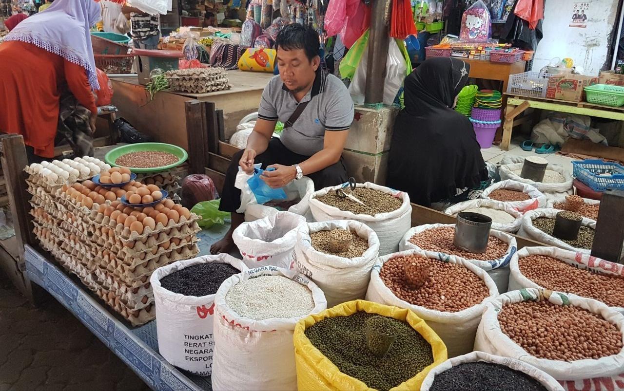 Jelang Natal dan Tahun Baru, Harga Sembako di Pinrang Normal
