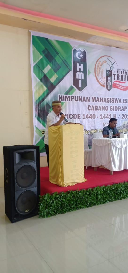 Ketua Kadin Sidrap Jadi Pembicara di Intermediate Training HMI